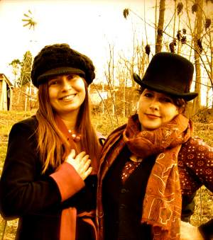 Renee (l) and Aim Me (r) -The Troubadours of Divine Bliss