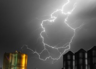 Metal containers and lightening